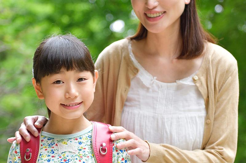 離れて暮らす親にも子供と会う・連絡をとる権利があります